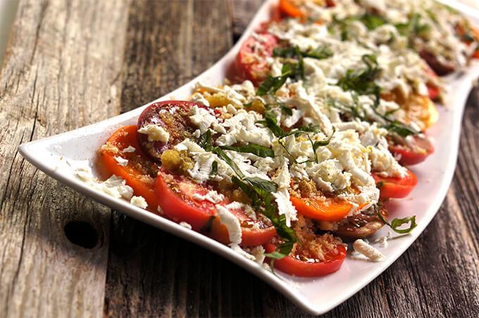 Layered tomato panzanella salad {feta cheese + garlic breadcrumbs}
