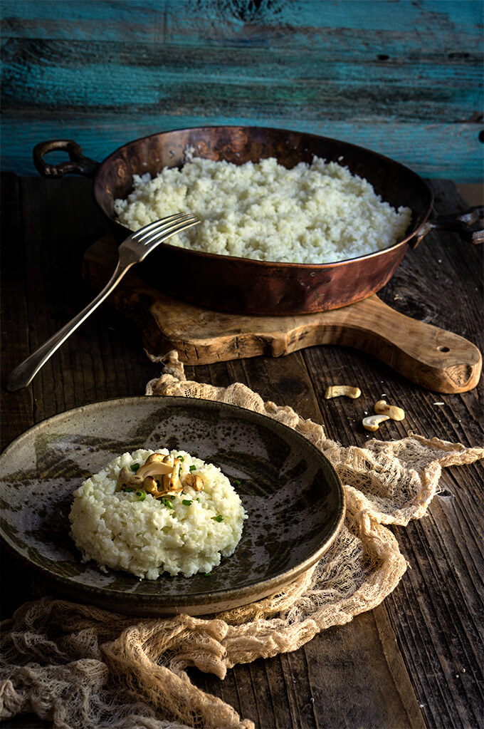 Cauliflower risotto - 3 ingredients and 5 minutes to make, this creamy risotto tastes better than the real deal, and is so much healthier | www.viktoriastable.com