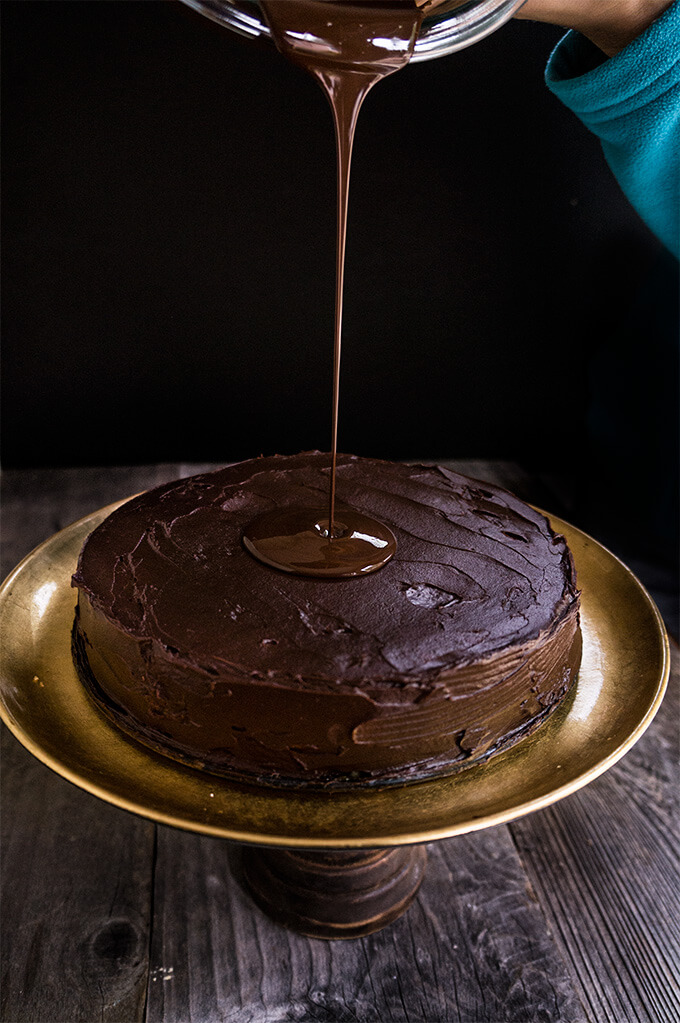 This year for once, I am making something special, and following a recipe precisely! It's a super delicious flourless, walnut chocolate cake that goes by the name of Torta Garash, or Garash cake. Rich and decadent, this is the ultimate cake that we only had at very special occasions.
