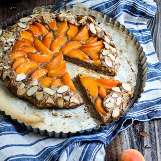 Apricot almond galette - flakey buttery crust, almond frangipane filling, and jammy sweet apricot on top complete this rustic summer galette. | www.viktoriastable.com