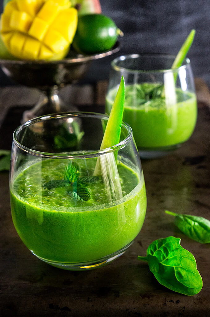 Skinny green smoothie - cucumber, lemon, and mint give this green smoothie a great fresh taste, mango makes it slightly sweet and creamy, and baby spinach provides all the green health benefits.   www.viktoriastable.com