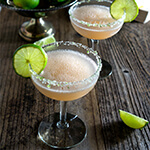 The Hemingway daiquiri - icy cold, citrusy and slightly sweet, this is the famous Papa Doble, or double frozen daiquiri, that Earnest Hemingway loved so much, and is pure bliss on a hot day. | www.viktoriastable.com