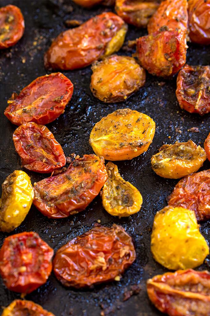 Slow-roasted tomatoes {garlic + herbs}Viktorias Table