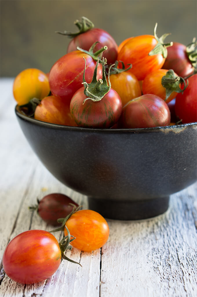 Slow roasted tomatoes – packed with garlic and herb flavors ...