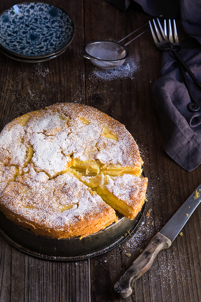 Apple cream torte - delicate, tender, moist and cream-like, this apple torte smells and tastes heavenly, and can be served either as a breakfast, or dessert. | www.viktoriastable.com