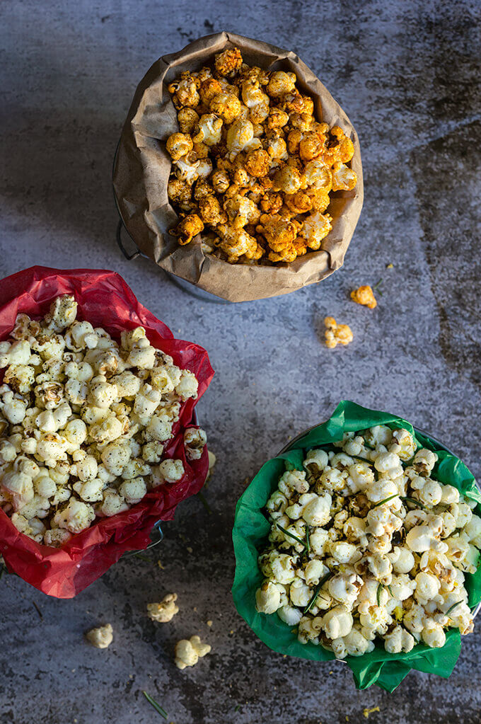 3 holiday popcorn recipes - let the snacking begin with these festive popcorn flavors - smoke & spice, truffle & Parmesan, rosemary, lemon & garlic. | www.viktoriastable.com