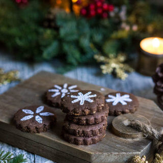 Mexican chocolate shortbread cookies - enriched with dark chocolate, and flavored with spicy cinnamon, and hot cayenne pepper, these cookies melt in your mouth with an intense chocolaty flavor, and a lingering warmth and heat.| www.viktoriastable.com