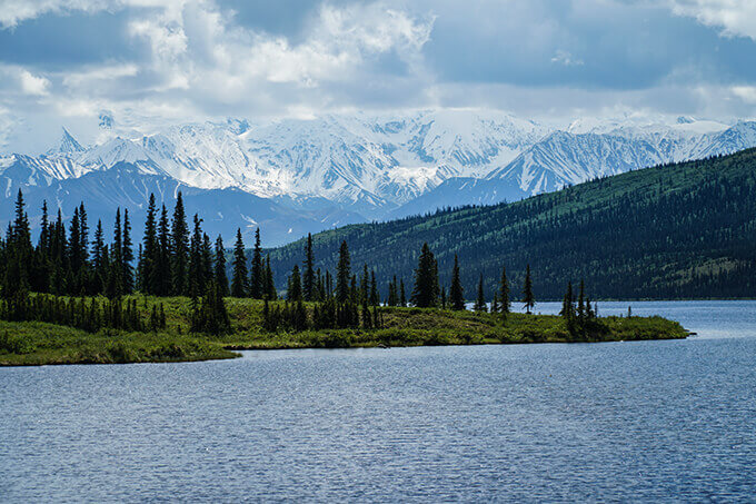 Into the wild Alaska - Denali National Park, Wonder Lake, Alaska | www.viktoriastable.com
