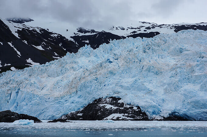 Into the wild Alaska - Aialik glacier, Kenai Fjords National Park | www.viktoriastable.com