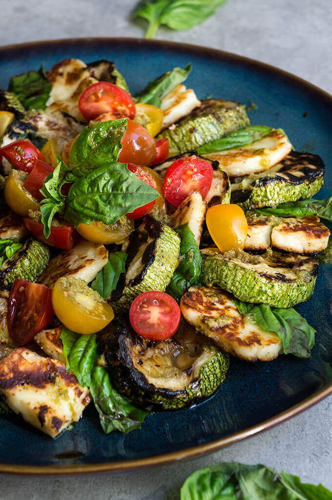 Grilled halloumi and summer squash Caprese salad - a twist on the beloved classic, made with grilled summer squash, and halloumi cheese. | www.viktoriastable.com