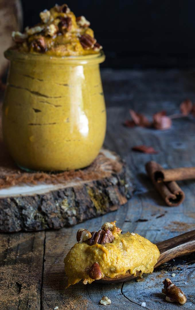 Cinnamon pecan pumpkin butter - a cross between a nut and fruit butter, with creamy texture and rich flavors of pecans and maple syrup, reminiscent of a pumpkin pie filling. | www.viktoriastable.com