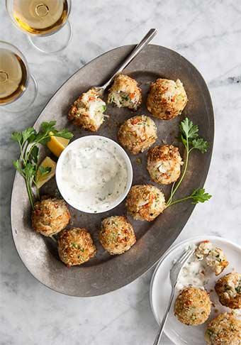 50 fabulous holiday appetizers | www.viktoriastable.com